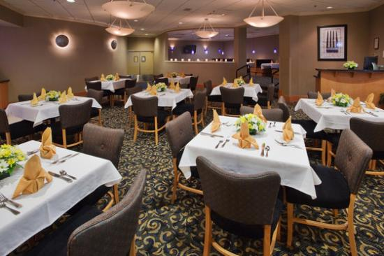 Tines Restaurant Inside The Crowne Plaza 4453 Bonney Road Virginia Beach